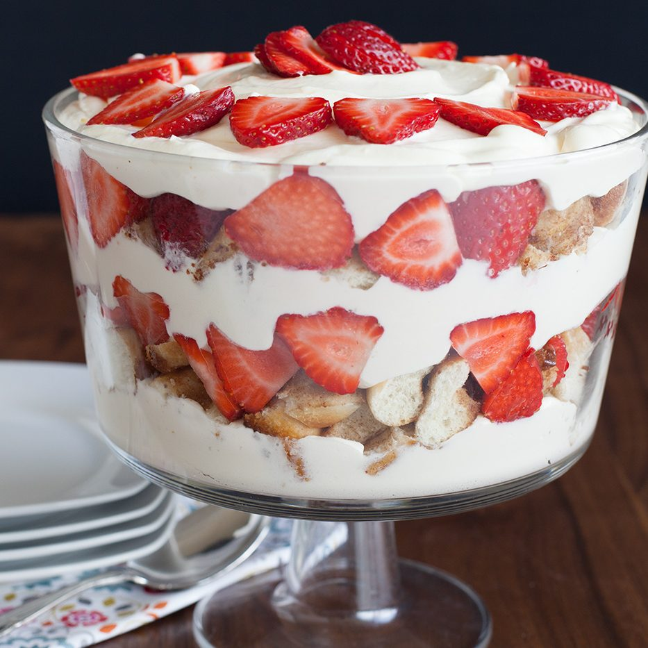 Cinnamon-Roll-Trifle