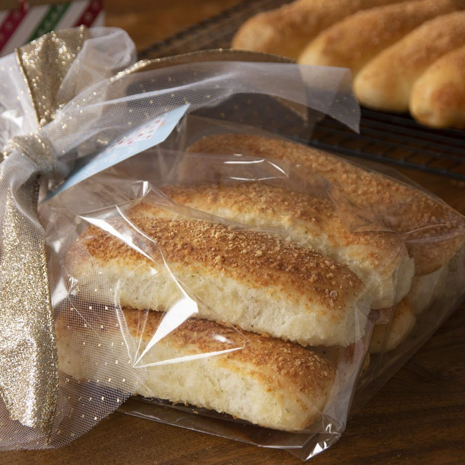 Gift-giving-Breadsticks