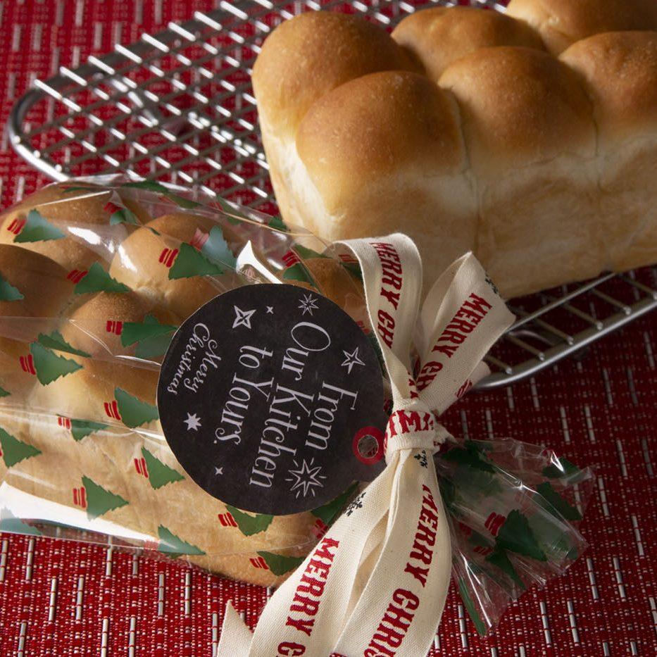 Gift-giving-Mini-Rolls-Loaf
